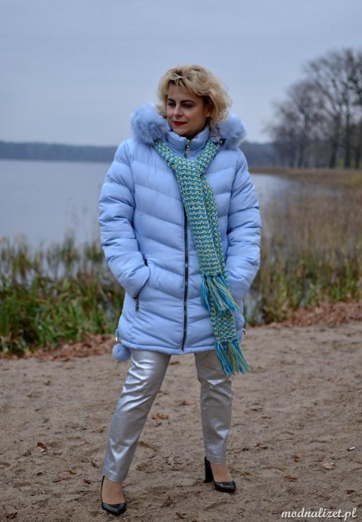 Błękitna zimowa kurtka