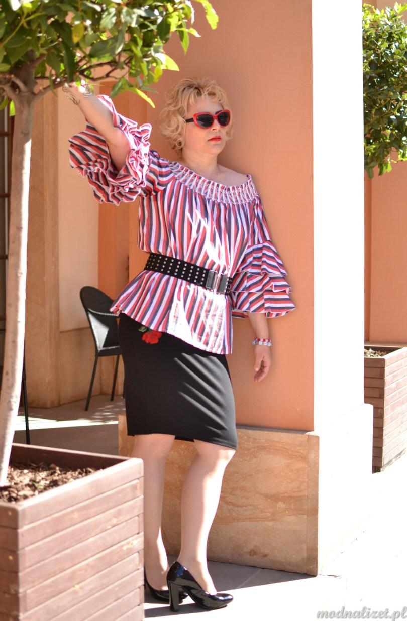 Kolorowa bluzka hiszpanka