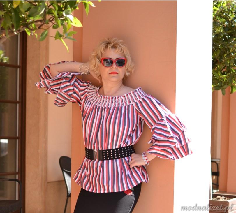 Hiszpanka-kolorowa bluzka