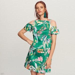 Zielona sukienka w kwiaty