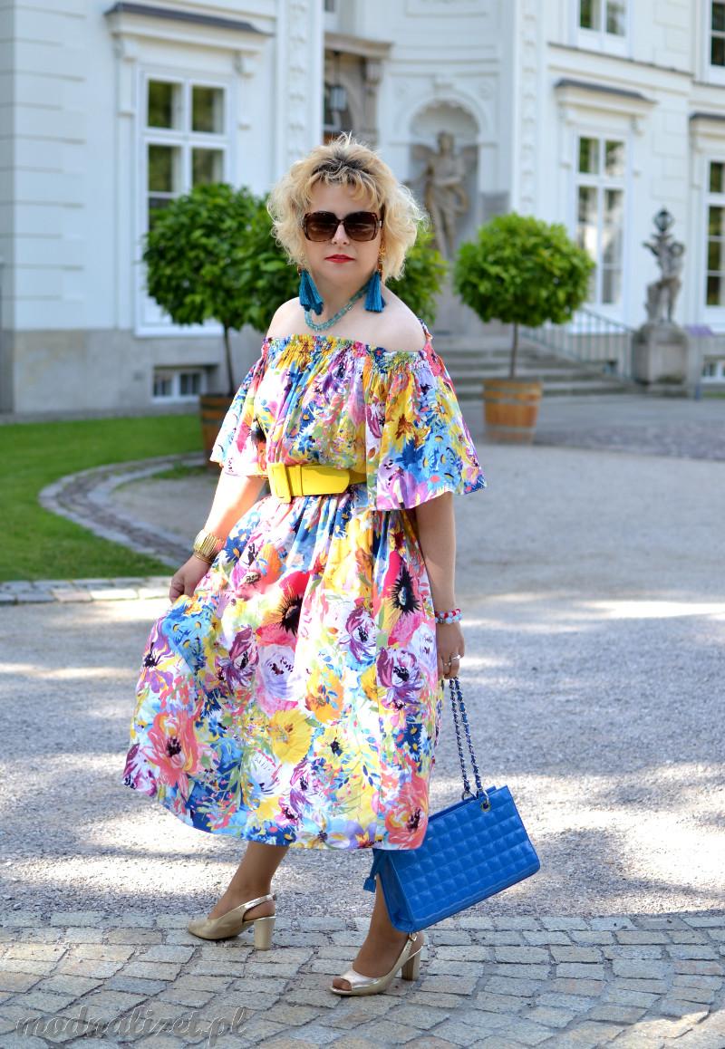 Kolorowa sukienka na lato