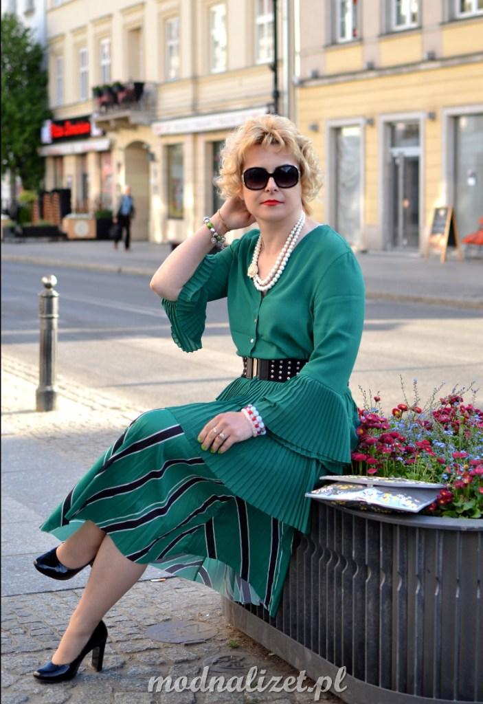 Piękna zielona spódnica