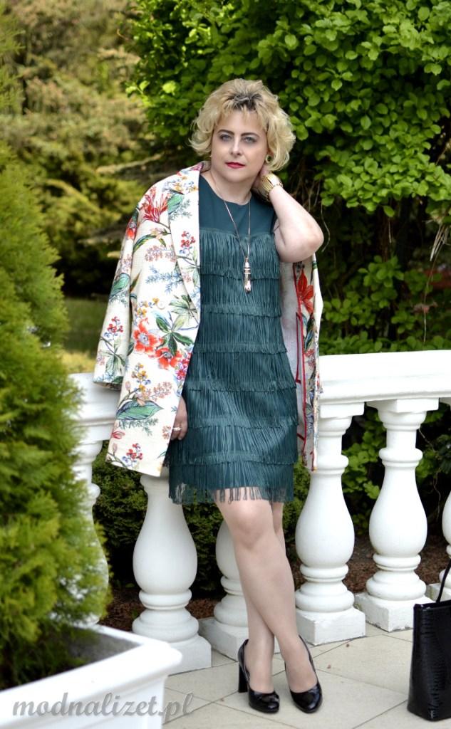 Sukienka z frędzlami w stylu Boho
