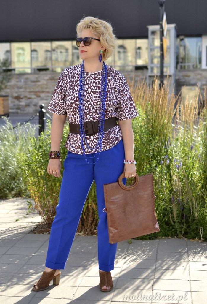 Bluzka i pSpodnie w modnych kolorach