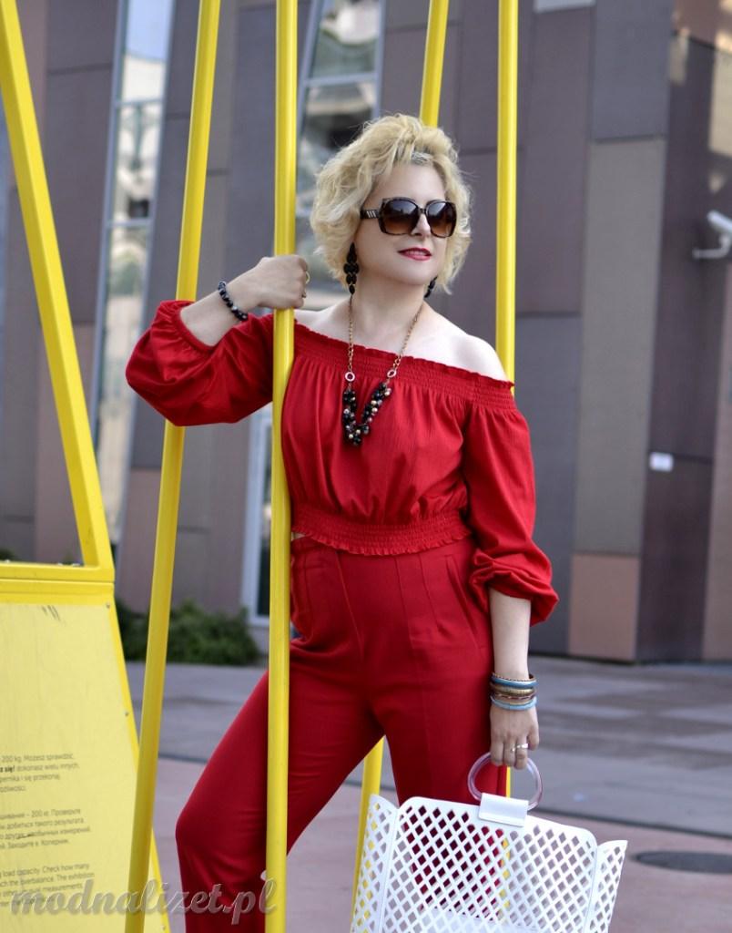 Czerwona bluzka hiszpanka