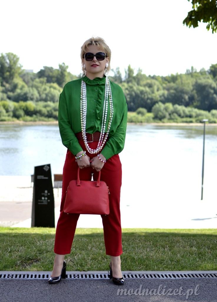 Modne czerwone spodnie