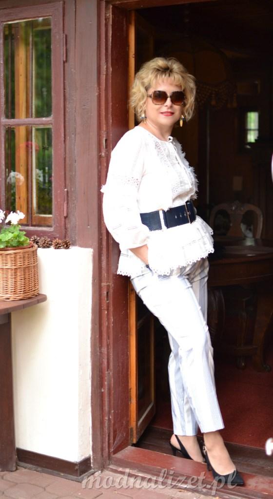 Modna bluzka w koronki