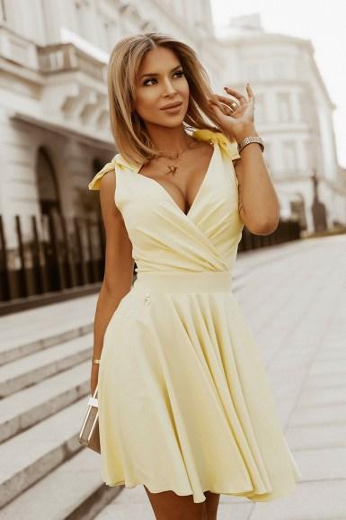 pastelno-rumena-obleka-za-birmo-valeto-poroko