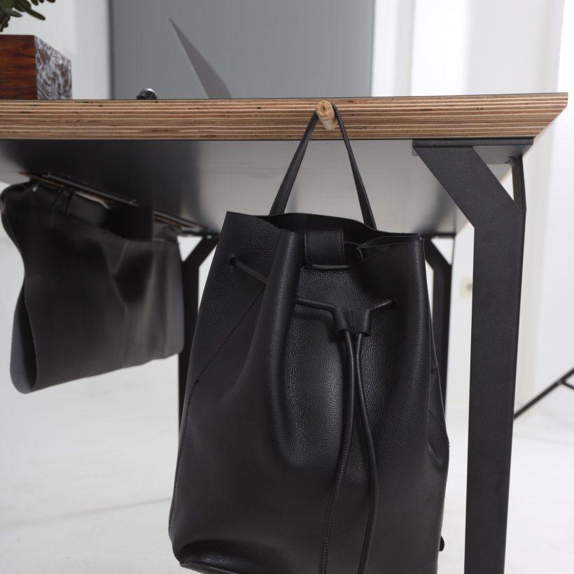 Conform desk - značajka - opcionalna torba za kabele ispod površine