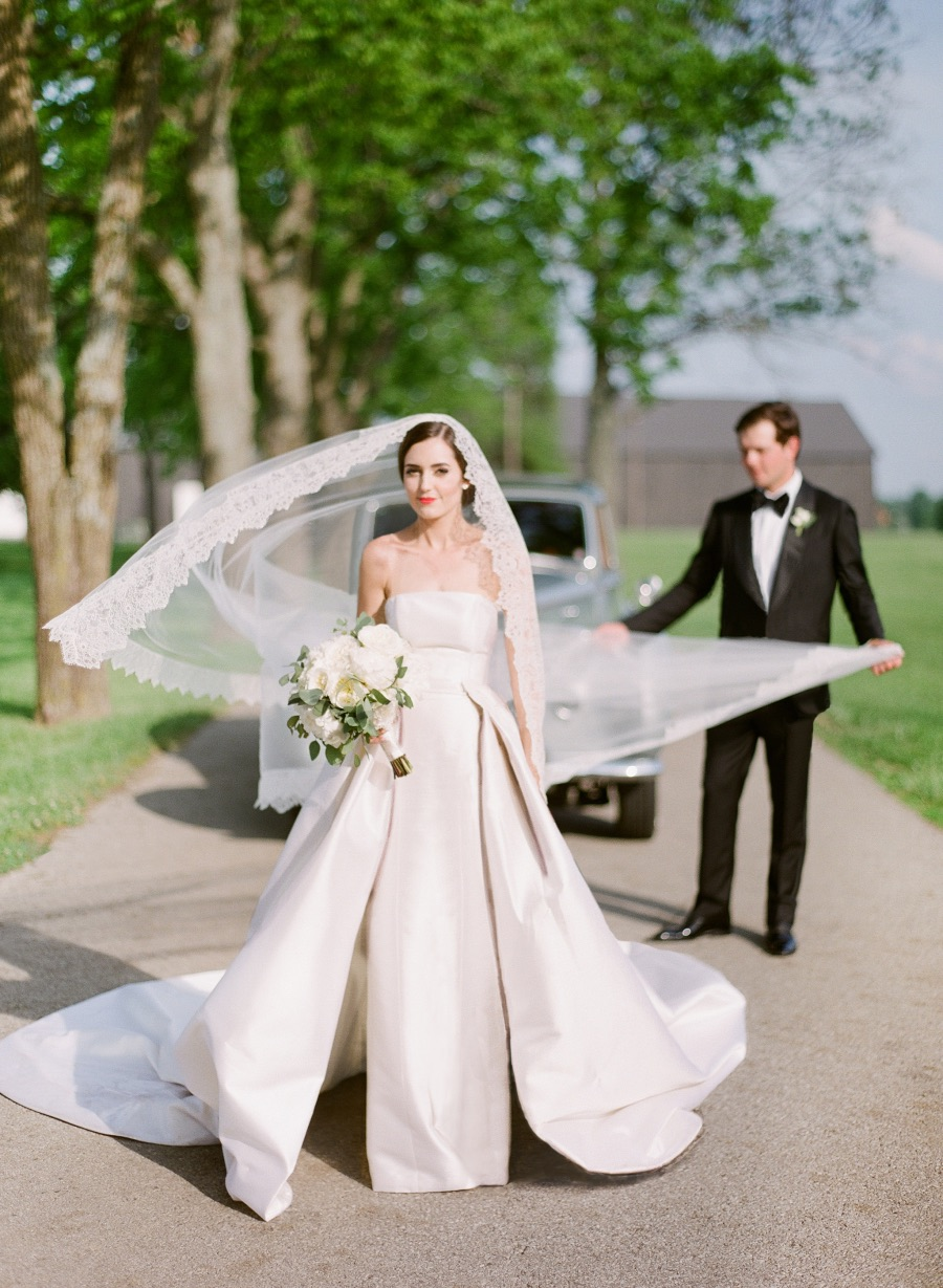 Elegantly Classic Spring Southern Wedding In Kentucky From