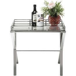Tisch: Beistelltisch aus poliertem Edelstahl Passend zur silbern glänzenden Konstruktion besteht die Tischplatte aus Spiegelglas und zeugt von moderner Ästhetik. Mit einer grazilen Umrandung