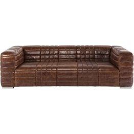 Sofa: Die Kunst der aufwendigen Steppung Dieses Sofa zelebriert die Kunst der aufwendigen Steppung und so sorgen vor allem diese Muster und Formen für eine spannungsvolle und hochwertige Optik. Weiterhin bringt Square Dance kubische
