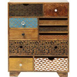 Kommode: Farbtupfer aus Mangoholz Reichlich Stauraum bietet dieser Schrank mit zehn Schubladen. Fein aufeinander abgestimmte Muster und Details setzen bei diesem Möbel aus der Serie Soleil gelungene Akzente auf warmem Edelholz. Wer außergewöhnliches Design liebt