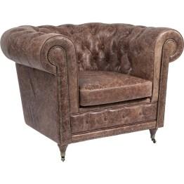 Sessel: Eleganter Sessel in edler Vintage Optik Klassischer Herrensessel nicht nur für die Cigar Lounge! Künstliche Gebrauchtspuren machen das Relaxen im weichen Lederpolster mit auffälliger Naht zum Highlight. Feinstes Vintage Flair umspielt diesen charmanten Sessel im typischen Oxford Stil. Hochwertiges Leder in warmen Brauntönen sorgt für eine sehr elegante Note. Ein Sessel mit vielen Details und