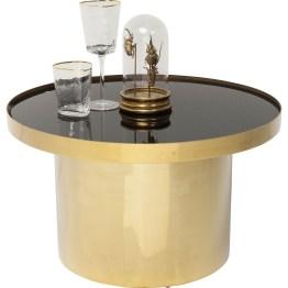 Cocktailstunde oder Tea Time: Couchtisch Rimini bietet die ideale Bühne für die besonderen Momente des Tages. Seine gelungene Komposition aus kompakter Form