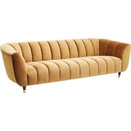 Dieses Sofa verfügt über drei gewisse Extras