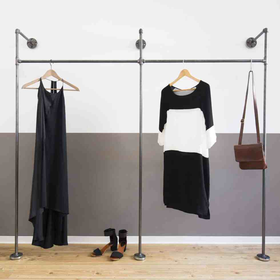 Möbel aus Rohren - Kleiderschrank