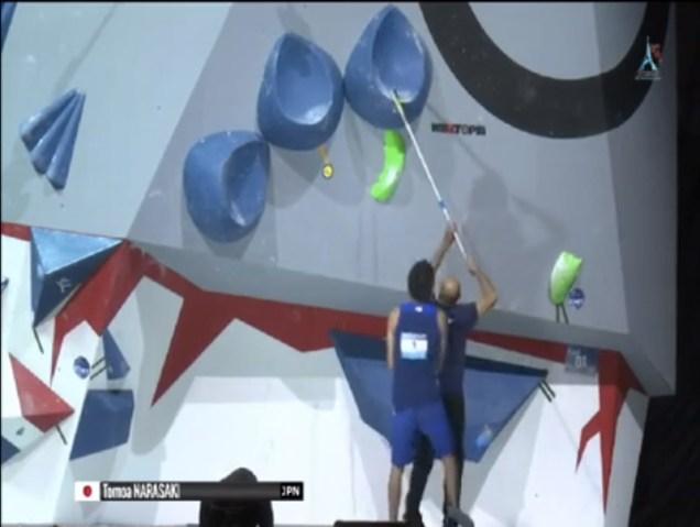 Perche triple tube d'ibbz aux championnats du monde d'escalade 2016 (manchon fabriqué par Moebius Factory)