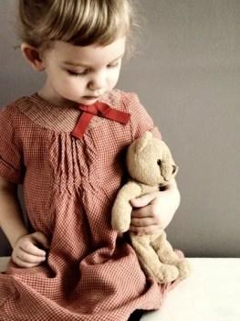 Meisje met knuffel