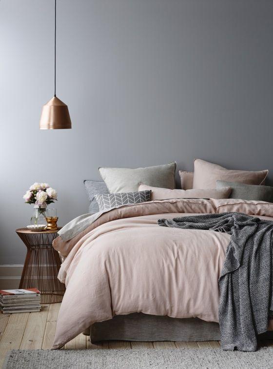 Vijf tips om je slaapkamer in balans te brengen - Moeders Minimalisme
