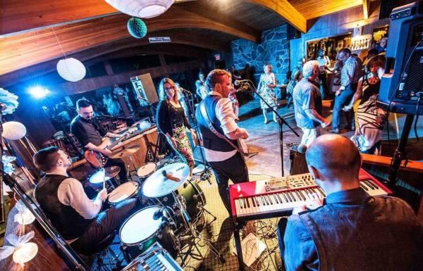 Melody Bar at the Gladstone Hotel ©Gladstone Hotel