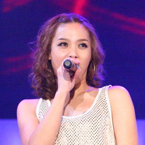 Korean-American Singer T Yoon Mi Rae (윤미래)