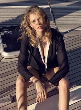Bikini, Calzedonia; jacket, Sisley