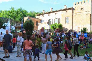 17.ambiance Patus Village Des Voix