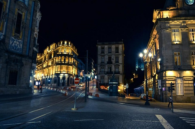 Porto nocu. Foto Ljubica Stevanovic