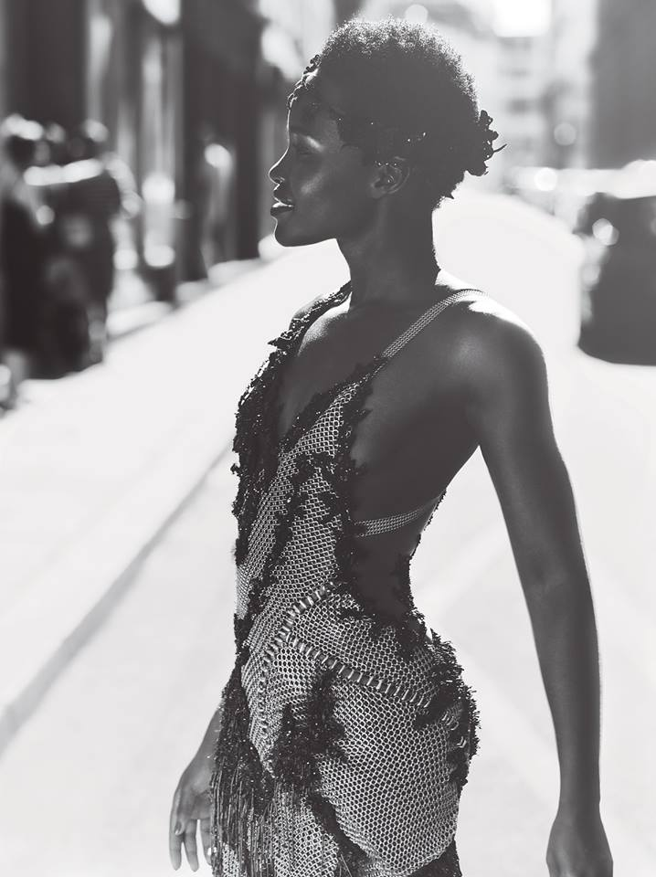 LUPITA_IN_OFFICIAL_VERSACE_FOR_VOGUE_OCTOBER_ISSUE