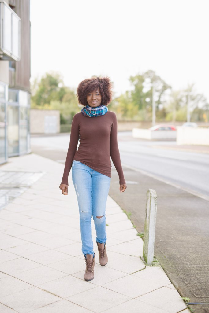 RIPPED_DENIM_AND_TURTLENECK_BOOTS