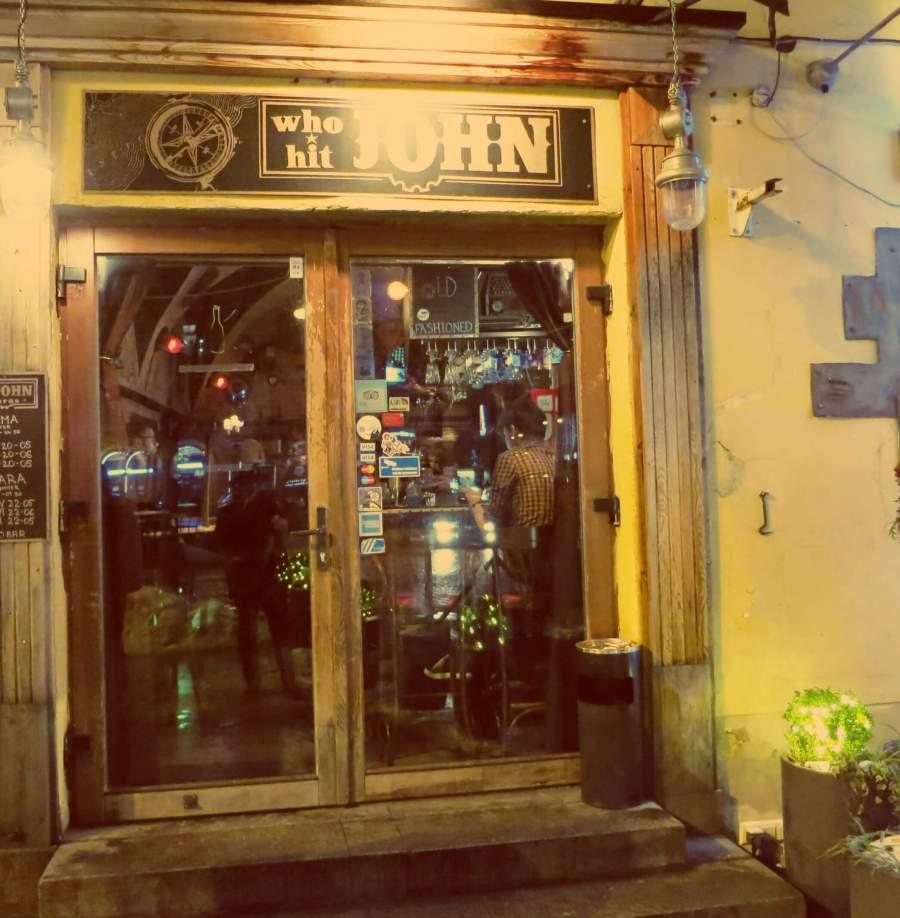 Die kleinste Bar in Vilnius: Who Hit John