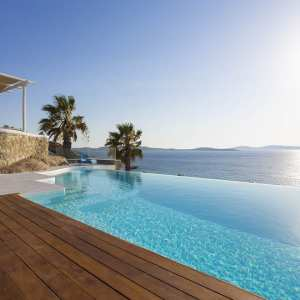 Why to Choose a Villa for Your Next Summer Vacation in Mykonos