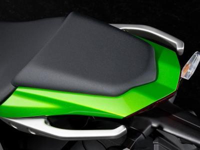 Details-Z1000SX passenger seat