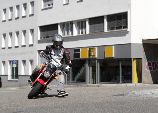 Fahrbild Supermoto-Style