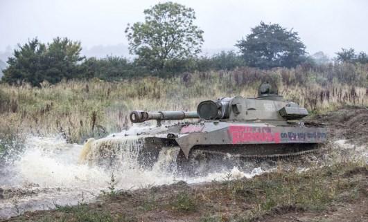 Die Gwosdika erfreut Muttipanzerfreunde durch gute Geländegängigkeit und Leichtbau (18 t). Bild: Universal