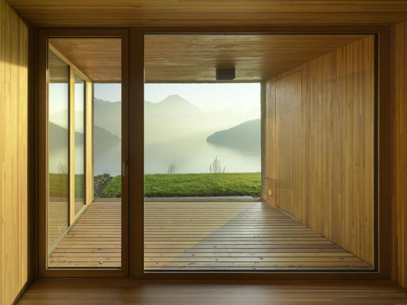 kuća-izvedena-u-kombinaciji-drvai-betona-14