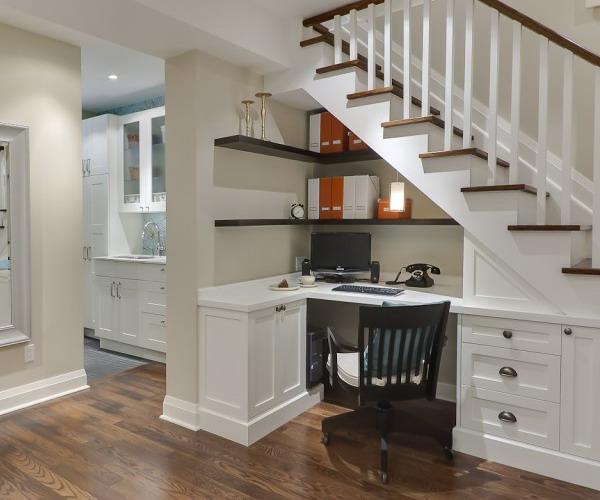 kako-iskoristiti-prostor-ispod-stepenica-ured-4