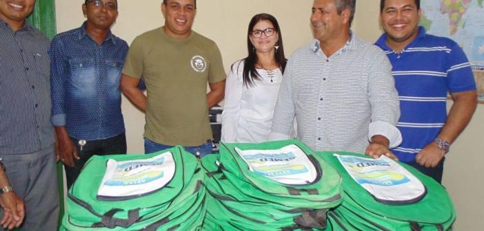 Investimento na educação: Prefeito IE IÉ entrega escola completamente climatizada no Alto Moju