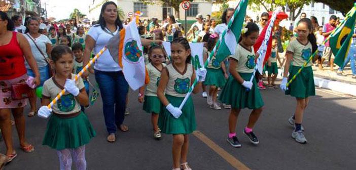 Desfile Cívico das Escolas Municipais de 7 de setembro.
