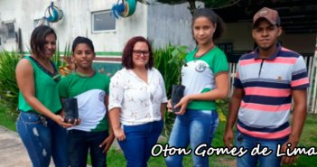 SECTEMA entrega mudas de IPÊ para escolas do município.