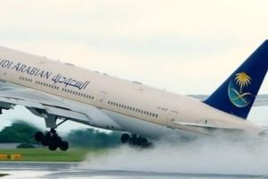 الخطوط السعودية تنقذ 148 راكبا من كارثة حقيقة