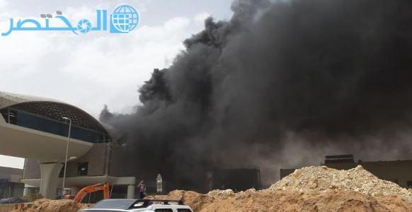 فيديو.. لحظة اندلاع حريق هائل في إحدى محطات قطار الرياض