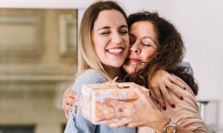 Deze 9 dingen kan je beter niet aan je moeder geven (maar wel aan je schoonmoeder)