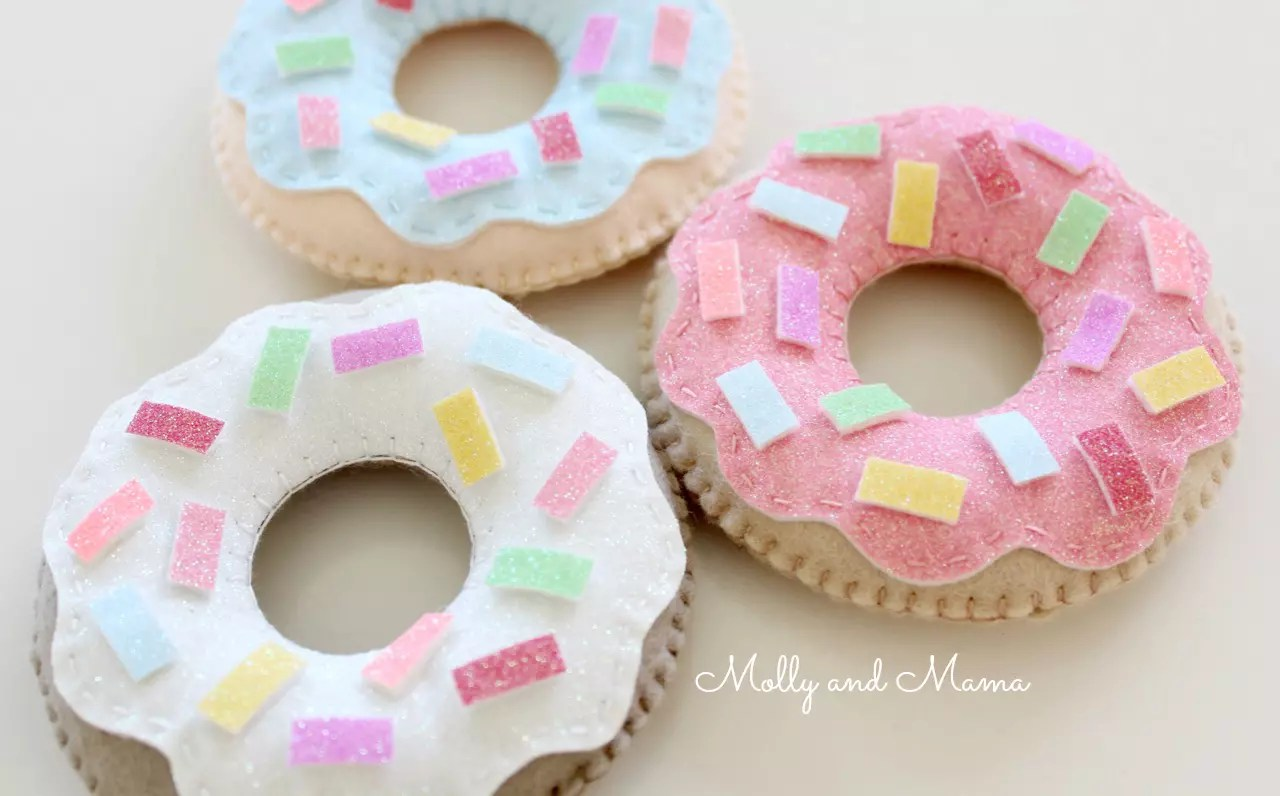 yummy-glitter-donuts-by-molly-and-mama