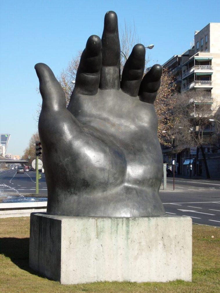 """Botero, """"La mano"""""""