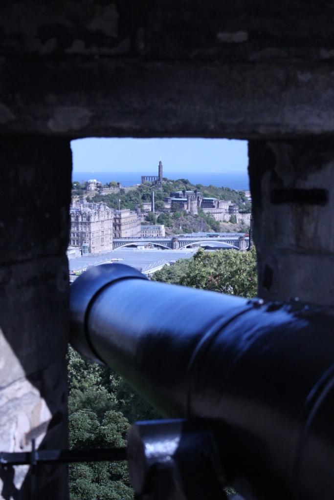 Edinburgh Castle Canon