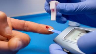 صورة وداعا لوخز الأصابع.. جهاز روسي يقيس مستوى السكر في الدم بتقنية الاستشعار
