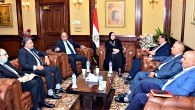 صورة وزيرة التجارة والصناعة تبحث مع وفد اتحاد الصناعات العراقية تعزيز الشراكة الصناعية بين البلدين