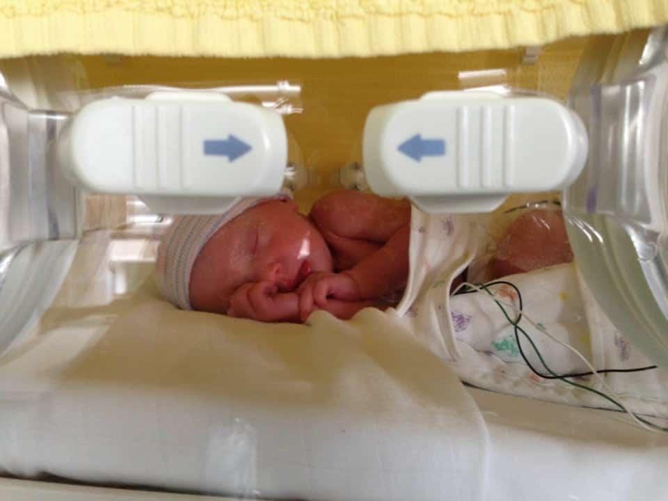 Mijn dochter kwam 6 weken te vroeg , kleine meisjes worden groot